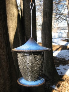 Alcyon Feeder, Cobalt Blue, in tree 2-M